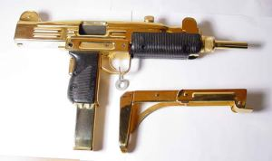 MIni-UZI made of Gold!