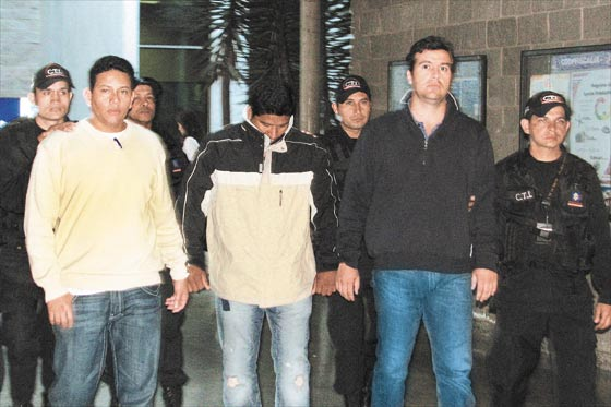 Seven Americans celebrated Fritanga arrested including 3 that claimed to be police