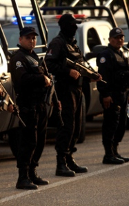 Los Zetas in confrontation with the military