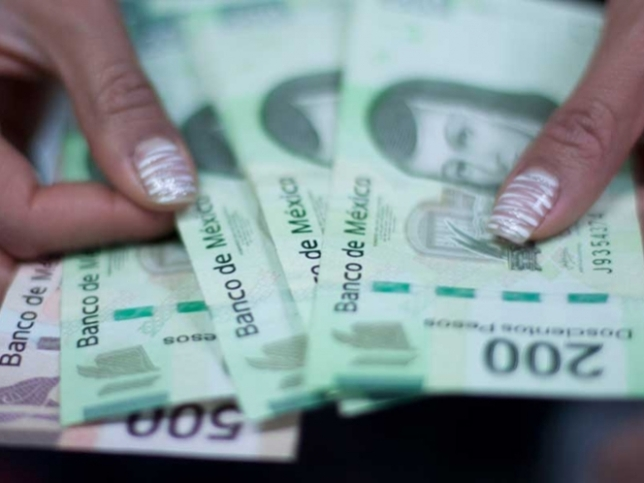 lunderin money in         Mexico reaches 10 Billion dollars for 2012